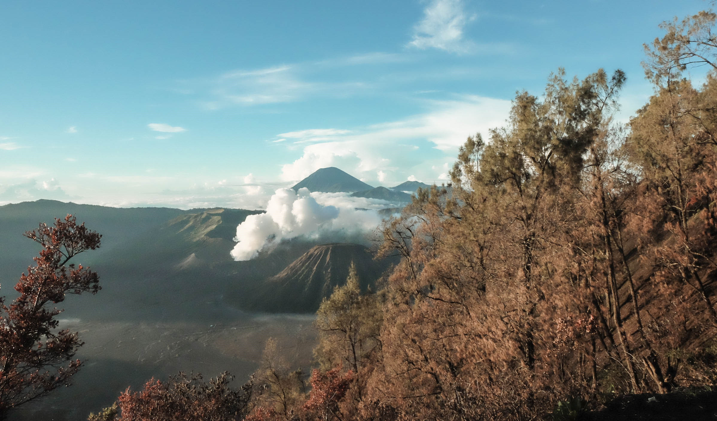 Den Indonesia, cham chan toi mieng nui lua Bromo hinh anh 2