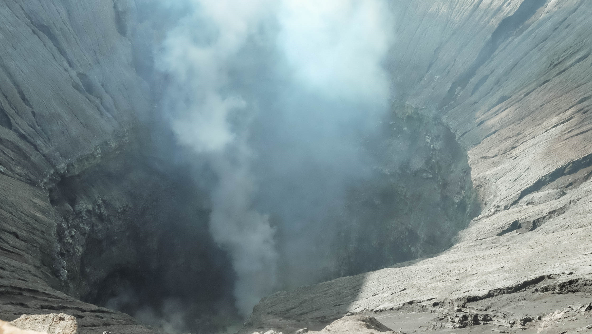 Den Indonesia, cham chan toi mieng nui lua Bromo hinh anh 21