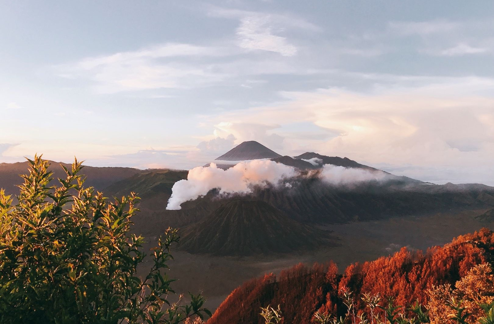 Den Indonesia, cham chan toi mieng nui lua Bromo hinh anh 1